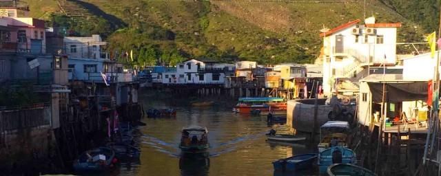 Best Hong Kong Day Trips: Tai O Fishing Village on Lantau Island