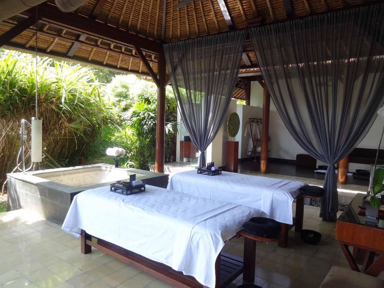 Best 5 star hotel villa ubud alila bali luxury bucket list for Best luxury hotels in ubud bali