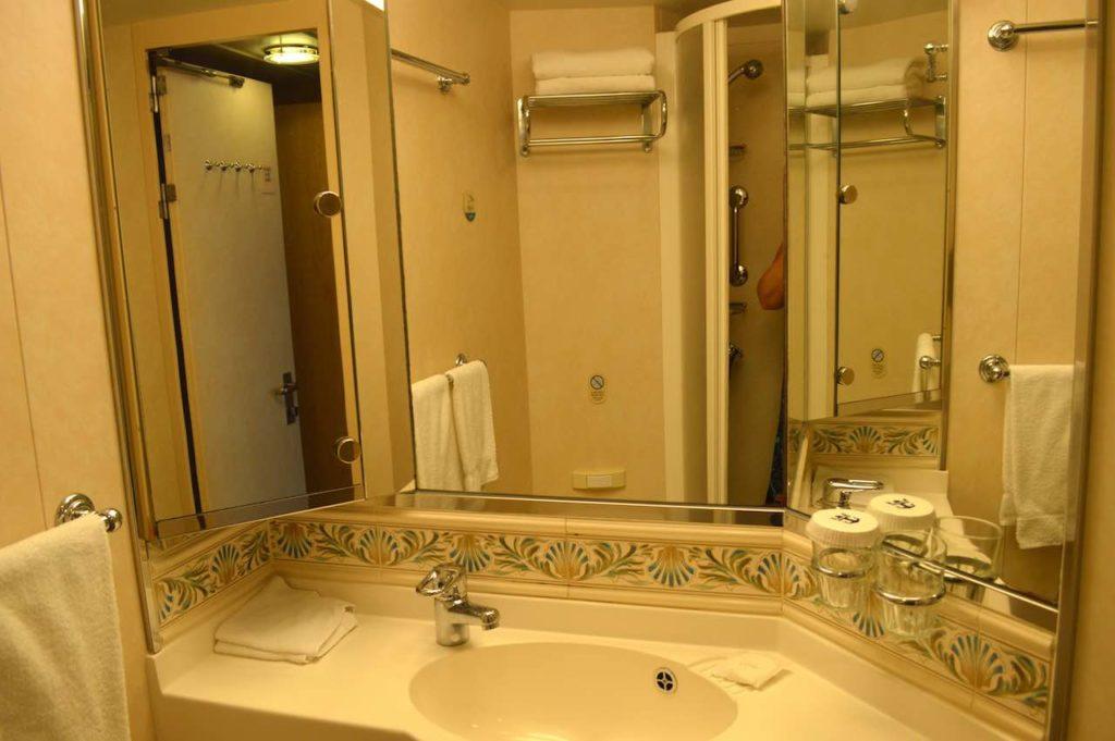 Mariner-of-the-seas-royal-caribbean-4-night-e2-balcony-cabin-stateroom-8210-ship-video-tour-singapore-phuket-luxury-bucket-list-14